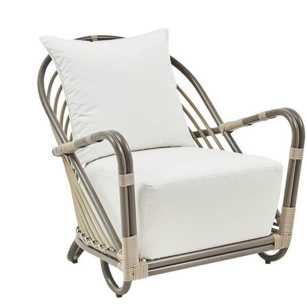 sika-design-arne-jacobsen-charlottenborg-designer-exterior-chair-moccachino_1571324827_2048x