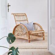 sika-design-icons-arne-jacobsen-paris-designer-lounge-chair-nature-lifestyle-photo_1571324798_2048x